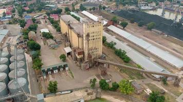 ville de la zone industrialo-portuaire video