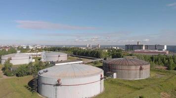 área de armazenamento de óleo industrial video