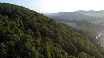 village au sommet de la montagne video