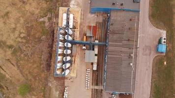 estação de tratamento de watergate, reciclagem de água na estação de tratamento de esgoto. vista aérea, ecologia. video