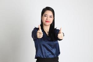 mujer asiática aislada foto
