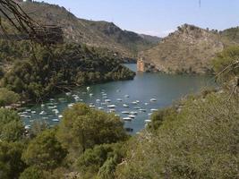Pantano de Buendia, en la provincia de Guadalajara, España foto
