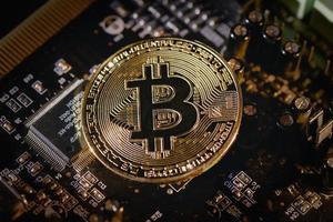 moneda de bitcoin cryptovaluta digital creada por anónimos foto