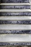 escalera de metal industrial foto