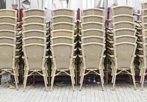 sillas de mimbre para bar foto