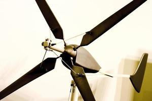 Molino de viento para energías limpias, Madrid España foto
