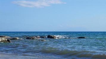 calizas de la playa de delikli koy foto
