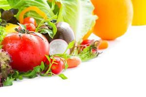tomate y vegetales mixtos foto