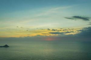 amanecer y sus colores foto