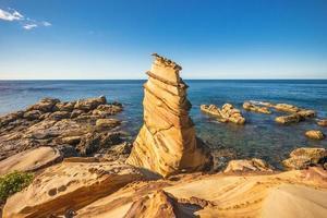 paisaje de nanya peculiar rocas en la ciudad de nueva taipei, taiwán foto