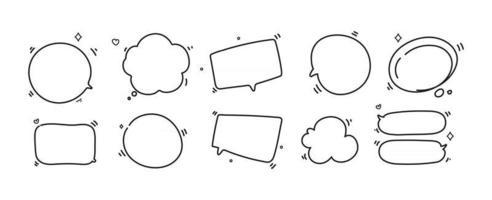 Dibujado a mano doodle burbujas de discurso en blanco, formas de pensamiento conjunto ilustración de arte de dibujos animados vector