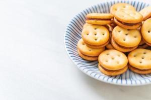 galleta de coco con mermelada de piña foto