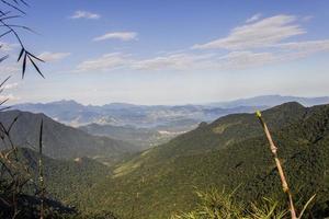 vista del sendero de la montaña bocaina foto