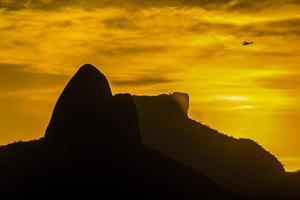 puesta de sol en el cerro del cantagalo foto