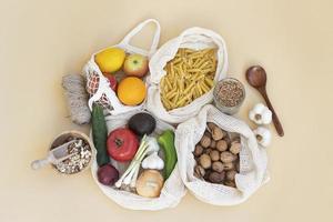 Food arrangement in reusable bag photo