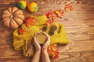 delicioso café de otoño. foto