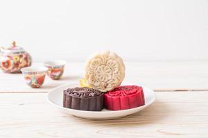 pastel de luna chino con sabor a macadamia y chocolate blanco para el festival del medio otoño foto
