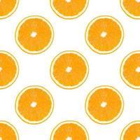 patrón sin costuras hecho de rodaja de fruta naranja aislada sobre fondo blanco. foto
