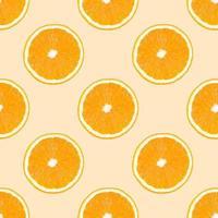patrón sin costuras hecho de rodajas de fruta naranja sobre fondo beige. foto