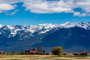 en un campo de agricultores. polson, montana, estados unidos foto