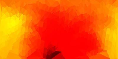 plantilla de mosaico de triángulo vector rojo claro, amarillo.