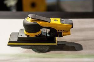 Vehicle body grinding and polishing tools - image photo
