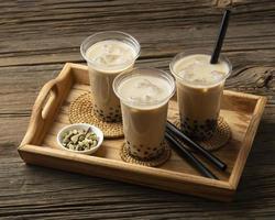 arreglo con delicioso té tradicional tailandés foto