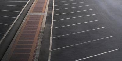 vista aérea del estacionamiento vacío foto