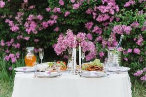 elegant wedding decorations made of natural flower photo