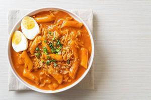 Korean instant noodle and Tteokbokki in Korean spicy sauce - Rabokki photo