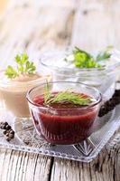 selección de tres salsas en bandeja foto