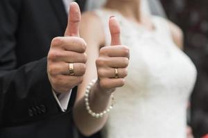 anillo de bodas de oro foto