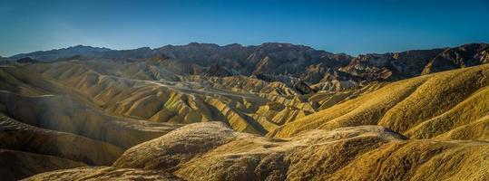 caminata por el parque nacional del valle de la muerte en california foto