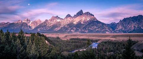 grand teton mountains at snake river overlook photo