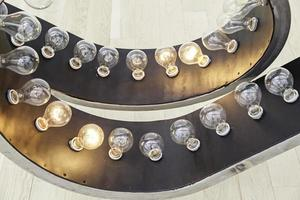 bombillas encendidas encendidas foto