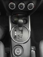 consola de cambio automático de coche foto