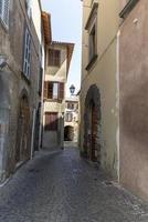edificios en el centro de orvieto, italia, 2020 foto