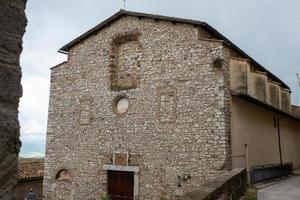 edificios en cesi, en la provincia de terni, italia, 2020 foto