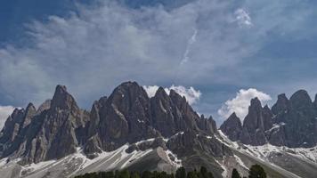 odle montagne un paesaggio montano da favola nelle dolomiti video