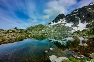 Lago de cabianca en el alto valle de Brembana Italia foto