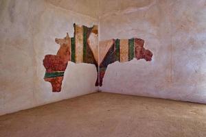 Pared pintada de un interior del palacio de Masada Israel foto