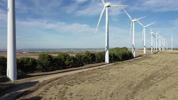 vue aérienne des moulins à vent de navarre video