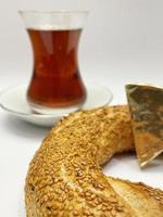 Close-up bagel turco tradicional simit con sésamo foto