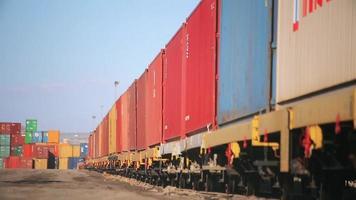 trem de contêineres do porto. video