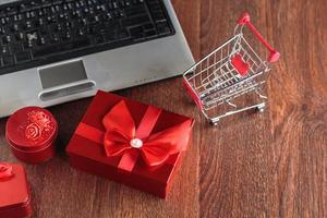 Venta de viernes negro y concepto de venta online. foto