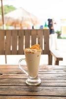 caramelo, café, nuez, batido, batido, vidrio, en, cafetería, y, restaurante foto