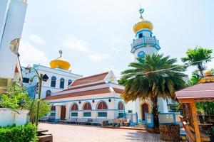 hermoso musjid asassul islam en songkla, tailandia foto