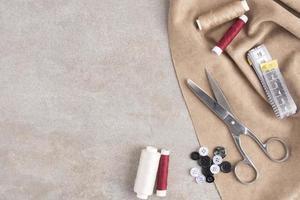 vista superior de accesorios de costura con espacio de copia. concepto de foto hermosa de alta calidad