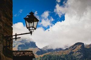 cielo y montaña en italia foto