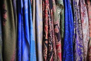 hermosos pañuelos de seda foto